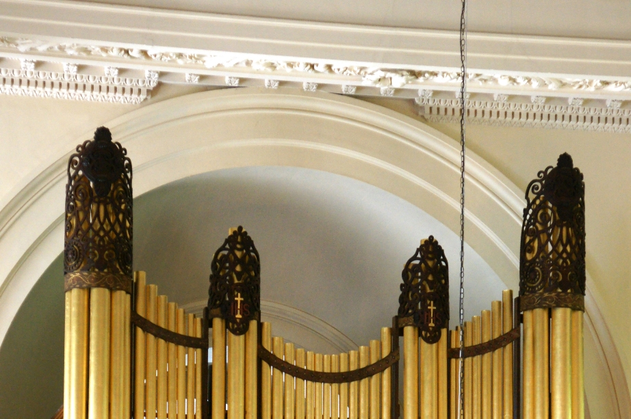 Organ pipes with decorative detailing