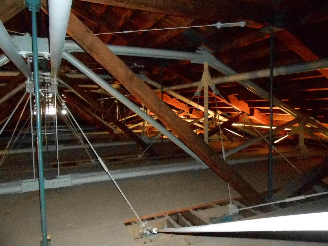 Steel trusses to strengthen roof